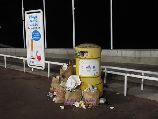 Raccolta straordinaria dei rifiuti abbandonati: Nizza si mobilita