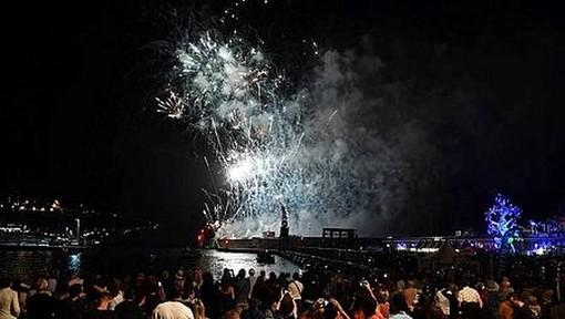 I fuochi d'artificio al porto e l'albero della vita del 9 giugno 2018 (Facebook)
