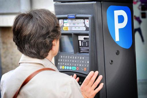 Nizza, da domani si paga di nuovo il parcheggio dell'auto