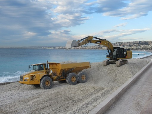 Lavori sulle spiagge di Nizza