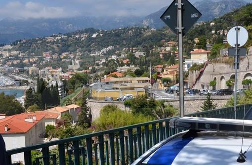 Menton: da oggi pomeriggio la Francia ha chiuso la frontiera di Ponte San Luigi, si passa solo da San Ludovico e sulla A10