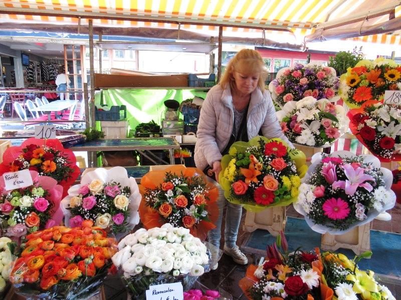 Nizza festeggia questo week end sainte fleur patrona dei for Mostre mercato fiori 2017