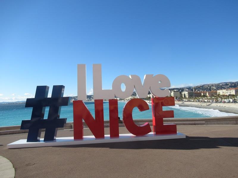 Una Vasca Da Bagno Traduzione In Francese : Bonjour de niceu201d: un nuovo sito e una nuova applicazione aiutano ad