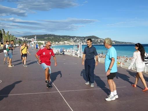 "Lo ""Stade de Pilou"" sulla Promenade des Anglais"