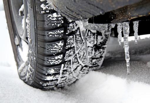 Pneumatici da neve: necessari in 83 comuni del Dipartimento delle Alpi Marittime