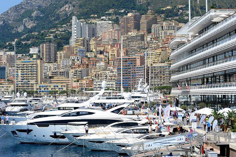 Azimut benetti yachting gala a montecarlo un 39 esperienza for Porto montecarlo