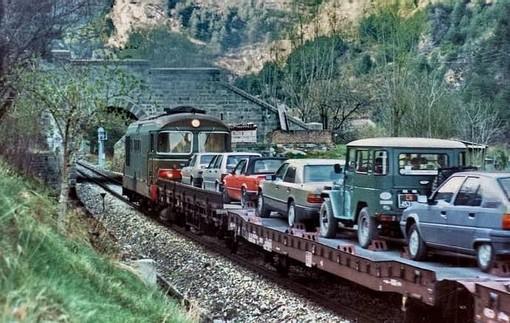 1987: quando le auto venivano trasportate su navette lungo la ferrovia Cuneo-Nizza: perchè non rifarlo?