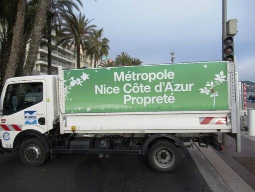 """""""Differenziare più rifiuti"""", Nizza si dà un obiettivo e bussa alle nostre porte"""