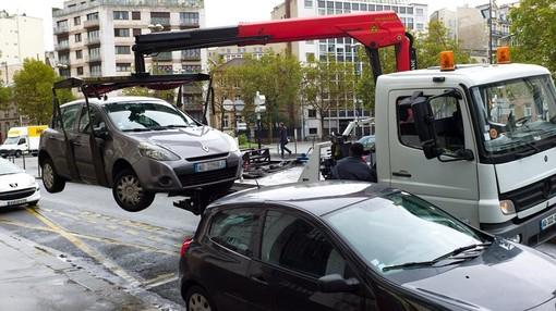 Nizza potenzia il servizio di rimozione dei veicoli