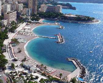 Il bagno alle spiagge del larvotto di monte carlo si fa for Ibiza a maggio si fa il bagno