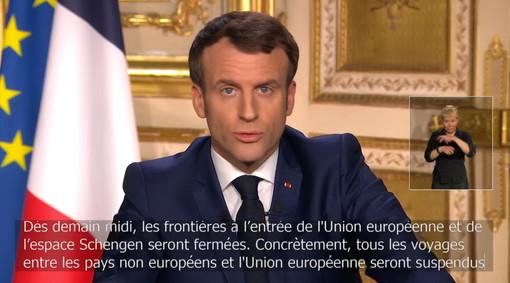 """Coronavirus: Macron """"Siamo in una guerra sanitaria, per 15 giorni non uscite da casa"""", da domani alle 12 chiuso l'ingresso in Europa e sospeso Schengen"""