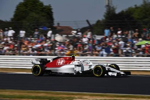 Formula 1. Silverstone amara per Leclerc, costretto al ritiro dopo 19 giri di corsa