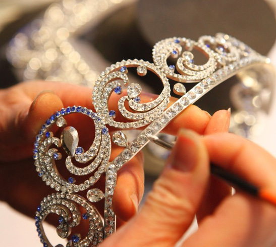 La tiara di zaffiri e diamanti della principessa charlene for Tiara di diamanti