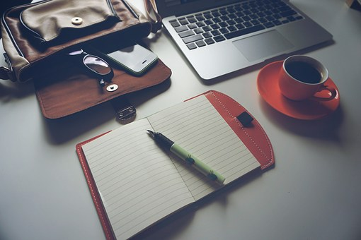 Come scegliere il materiale da ufficio