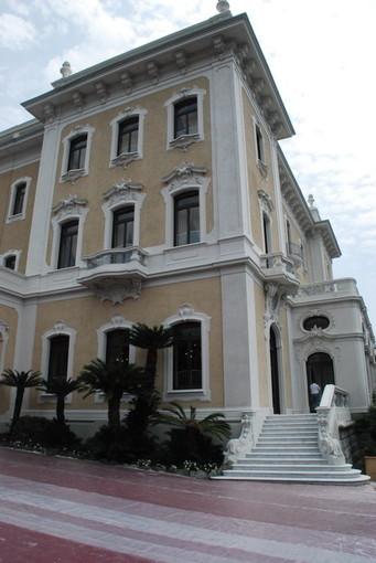 """Venerdì 21 giugno serata speciale a Villa Regina Margherita: visita guidata alla mostra """"Monet torna in Riviera"""" e cena esclusiva"""