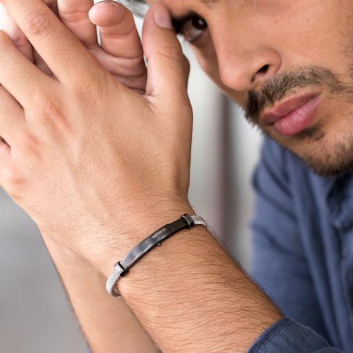 I bracciali Borsari per lui: come nascono e come si indossano