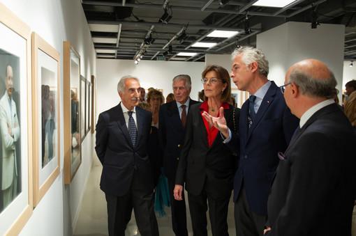 """Grande successo per l'inaugurazione della mostra fotografica  """"Ritratti e paesaggi - L'Italia sul palcoscenico"""""""