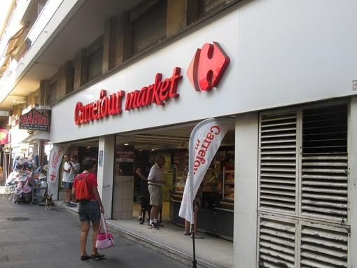 Un supermercato di Nizza, foto di archivio