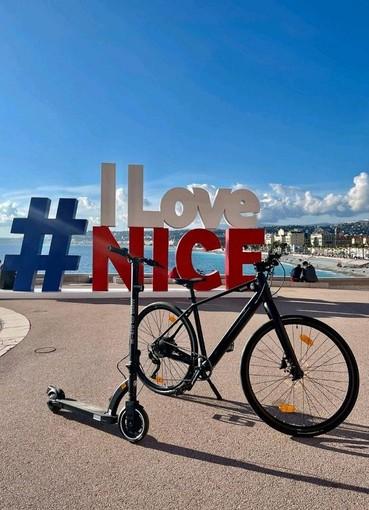 Rauba Capeu a Nizza (foto ratte da Twitter)