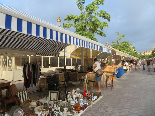 Brocantes in Cours Saleya