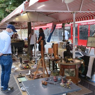 Brocante in Place Saleya