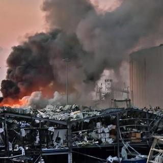 L'esplosione a Beirut (Twitter)