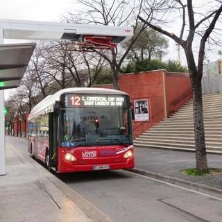 Bus elettrico della Ligne 12 al capolinea della Promenade des Arts