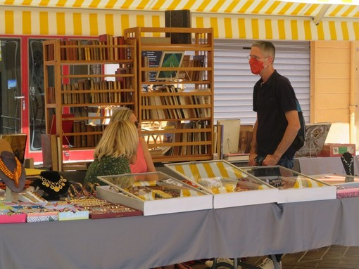 Brocante in Cours Salya a Nizza