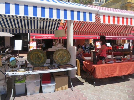 Un lunedì in Cours Saleya a Nizza