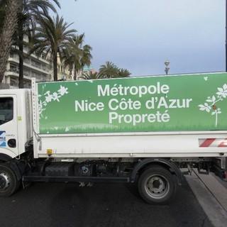 Nizza autosufficiente per i rifiuti, monta la polemica a Cannes e Grasse
