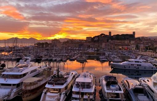 """""""Che piacere rivederci!"""", il programma del mese di agosto di Cannes"""