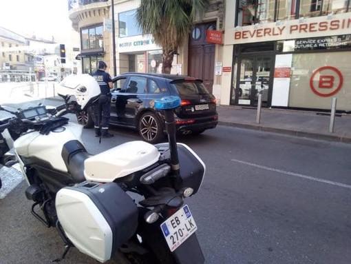 Cannes, controlli da parte della Polizia Municipale