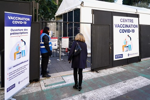 Il Centro di Vaccinazione al Jardin Albert Ier