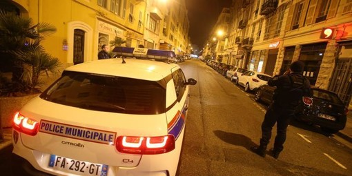 Controlli di polizia nella notte a Nizza