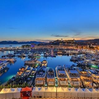 575 espositori, 620 barche di cui 141 in anteprima mondiale, e 54 400 visitatori per il Cannes Yachting Festival 2021