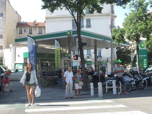 A Nizza un bonus carburante per chi lavora