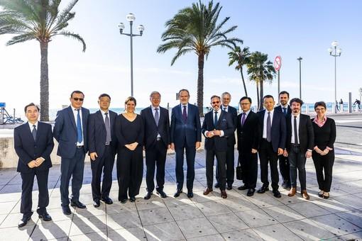 La delegazione di Xiamen sulla Promenade