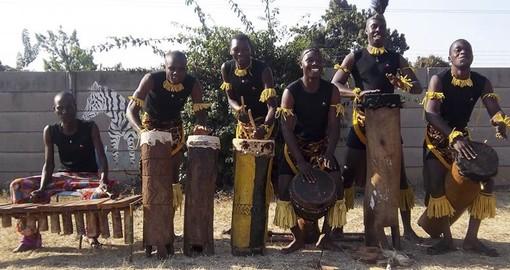 Nella rassegna fotografica l'Ensemble folklorique national Lumumba della Tanzania