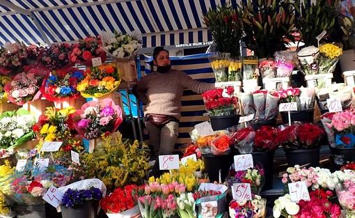 Fioraia in Cours Saleya, foto di Ghjuvan Pasquale