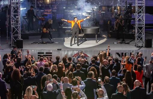 La Preview di Ferretti con Lionel Richie è uno spettacolo unico allo Yacht Club di Monaco