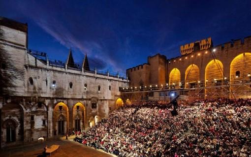 Un'edizione passata del Festival di Avignone