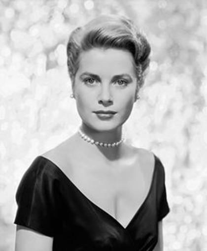 Grace di Monaco: 100 flaconi per il profumo dedicato alla indimenticata Principessa