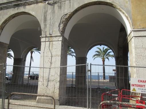 La vista sul mare dove c'era la Galerie de la Marine