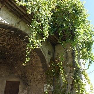 Foto 1: Perdersi nei vicoli del vieux village - OTM Levens @Département des Alpes-Maritimes @US Cagnes Escalade