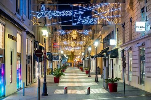 I numeri impressionanti delle luminarie natalizie di Nizza