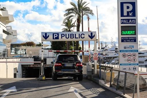 L'accesso al Parking Palais a Cannes