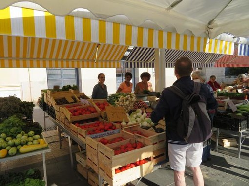 Mercato di Cours Saleya e Place Gautier a Nizza