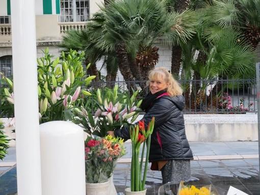 Il mercato dei fiori in Place Gautier a Nizza