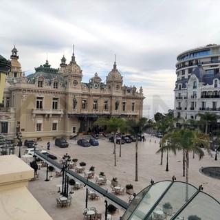 Il Concerto d'Estate della Croce-Rossa monegasca  con il cantante pop jazz Jamie Cullum è il 16 luglio 2021 sulla Place du Casino