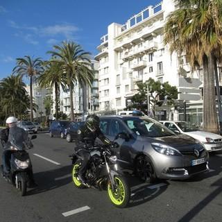 Motociclisti sulla Promenade